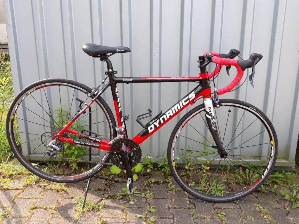 Dynamics Rennrad in rot und schwarz