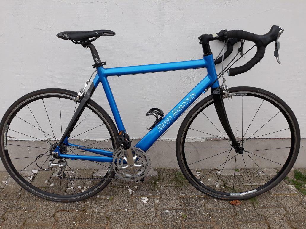 San Remo Rennrad blau schwarz
